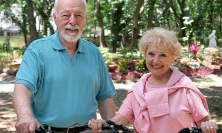 Viva Village understands that aging is a team sport. Let's do it together!