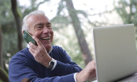 Helping your parents move from afar with long distance caring